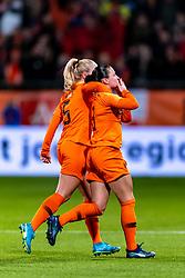 09-11-2018 NED: UEFA WC play-off final Netherlands - Switzerland, Utrecht<br /> European qualifying for the 2019 FIFA Women's World Cup - Sherida Spitse #8 of Netherlands, Kiki van Es #5 of Netherlands
