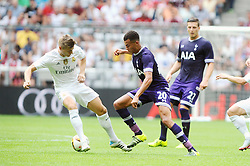 04.08.2015, Allianz Arena, Muenchen, GER, AUDI CUP, Real Madrid vs Tottenham Hotspur, im Bild vl. Toni Kroos (Real Madrid) gegen Dele Alli (Tottenham Hotspur) // during the 2015 Audi Cup Match between Real Madrid and Tottenham Hotspur at the Allianz Arena in Muenchen, Germany on 2015/08/04. EXPA Pictures © 2015, PhotoCredit: EXPA/ Eibner-Pressefoto/ Stuetzle<br /> <br /> *****ATTENTION - OUT of GER*****