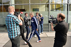 22.10.2013, easyCredit Stadion, Nuernberg, GER, 1. FBL, 1. FC Nuernberg Pressekonferenz, im Bild Gertjan Verbeek auf dem Weg zur Pressekonferenz zwischen Journalisten // during the Pressconference of German Bundesliga Club 1. FC Nuernberg at the easyCredit Stadion in Nuernberg, Germany on 2013/10/22. EXPA Pictures © 2013, PhotoCredit: EXPA/ Eibner-Pressefoto/ Merz<br /> <br /> *****ATTENTION - OUT of GER*****