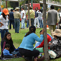 Toluca, Méx.- Simpatizantes de Movimiento Ciudadano de Temoaya se manifestaron frente al Tribunal Electoral del Estado de México exigiendo se respete su voto, asegurando que gano la elección su partido en este municipio. Agencia MVT / José Hernández