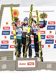 27.02.2019, Seefeld, AUT, FIS Weltmeisterschaften Ski Nordisch, Seefeld 2019, Skisprung, Damen, Flower Zeremonie, im Bild Silbermedaillen Gewinnerin Katharina Althaus (GER), Goldmedaillengewinnerin und Weltmeisterin Maren Lundby (NOR), Bronzemedaillengewinnerin Daniela Iraschko-Stolz (AUT) // Silver Medal Medalist Winner Katharina Althaus (GER) Gold Medalist and World Champion Maren Lundby (NOR) Bronze Medalist Daniela Iraschko-Stolz (AUT) during the flowers ceremony for the ladie's Skijumping of the FIS Nordic Ski World Championships 2019. Seefeld, Austria on 2019/02/27. EXPA Pictures © 2019, PhotoCredit: EXPA/ JFK