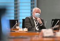 DEU, Deutschland, Germany, Berlin, 31.03.2021: Bundesinnenminister Horst Seehofer (CSU) vor Beginn der 136. Kabinettsitzung im Bundeskanzleramt.