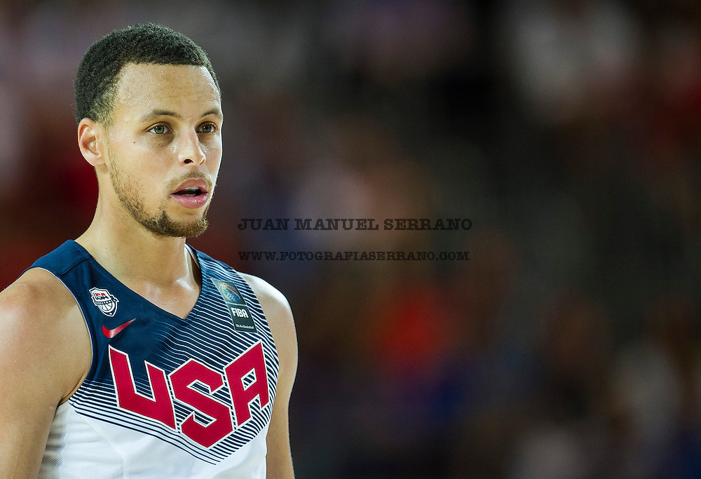 UNSPECIFIED, SPAIN - SEPTEMBER 02:  Stephen Curry #4 of the USA reacts against New Zealand during their game at the Bilbao Exhibition Center on September 2, 2014 in Bilbao, Spain.  (Photo by Juan Manuel Serrano Arce/Getty Images)