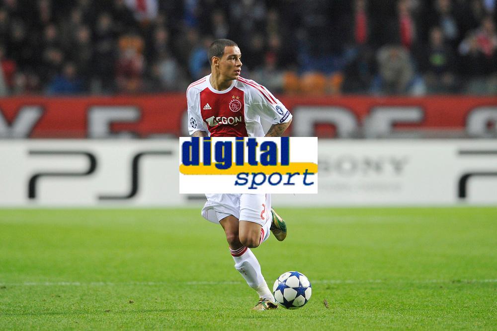 FOOTBALL - UEFA CHAMPIONS LEAGUE 2010/2011 - GROUP STAGE - GROUP G - AJAX AMSTERDAM v AJ AUXERRE - 19/10/2010 - PHOTO GUY JEFFROY / DPPI - GREGORY VAN DER WIEL (AJAX)