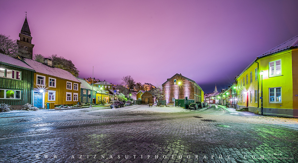 Bakklandet is the downtown of Trondheim with beautiful old wooden houses.