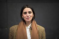 DEU, Deutschland, Germany, Berlin, 10.12.2020: Portrait von Maryam Zaree, deutsche Schauspielerin, Filmemacherin und Autorin.