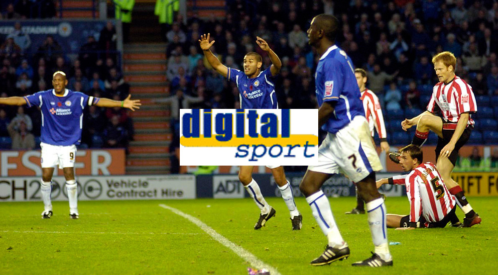 Photo: Leigh Quinnell.<br /> Leicester City v Southampton. Coca Cola Championship.<br /> 05/11/2005. Leicesters Patrick Kisnorbo appeals for a penalty.