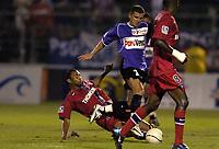 Fotball<br /> Frankrike 2004/05<br /> Istres v Paris Saint Germain<br /> 11. september 2004<br /> Foto: Digitalsport<br /> NORWAY ONLY<br /> ADEL CHEDLI (IST) / EDOUARD CISSE (PSG)