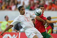 Fotball<br /> Euro 2004<br /> 30.06.2004<br /> Foto: Witters/Digitalsport<br /> NORWAY ONLY<br /> <br /> Portugal v Nederland 2-1<br /> <br /> v.l. Michael REIZIGER - Cristian RONALDO Portugal