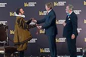 Koning opent Willem in het Nationaal Militair Museum