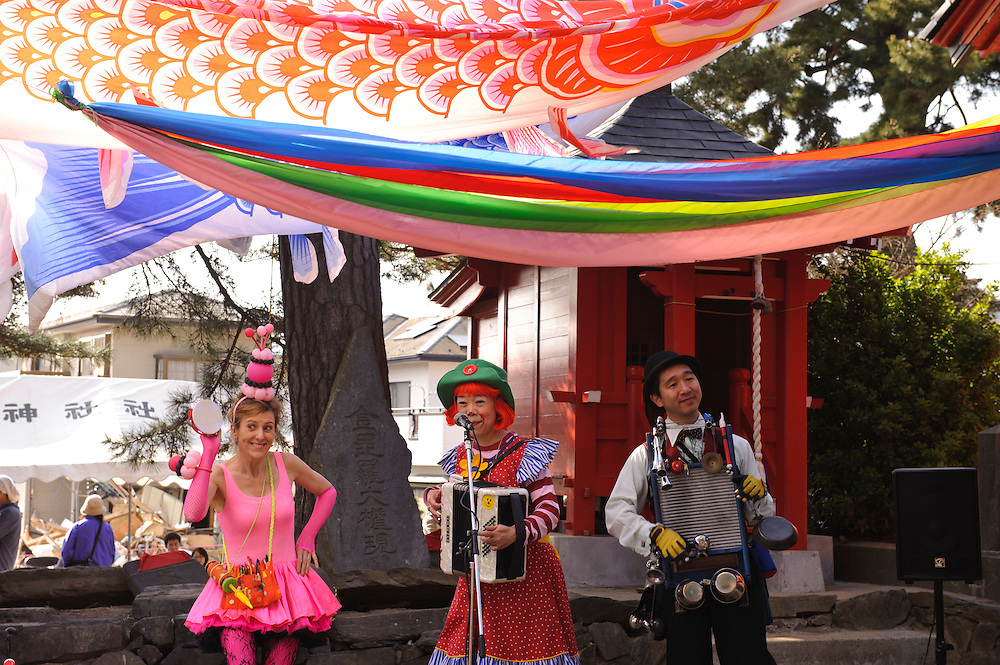 Performing at a local festival in Ishinomaki, Miyagi Prefecture, Japan, May 5, 2011. Rakugo-ka (comic story-teller) and balloon artist Diane Kichijitsu travelled with other performers to Ishinomaki to perform of victims of the March 11 earthquake and tsunami.