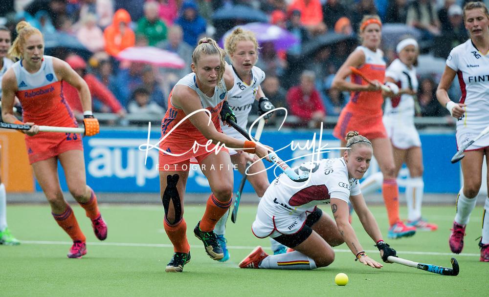 SCHIEDAM - Laurien Leurink (Ned) met rechts Estelle Meulemans (Bel)   tijdens een oefenwedstrijd tussen  de dames van Nederland en Belgie , in aanloop naar het  EK Hockey, eind augustus in Amstelveen. COPYRIGHT KOEN SUYK