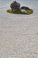 Japon, île de Honshu, région de Kansaï, Kyoto, Ryoan Ji temple, jardin zen // Japan, Honshu island, Kansai region, Kyoto, Ryoan ji temple, Rock temple, zen garden