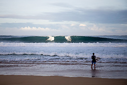 December 11, 2017 - Haleiwa, Hawaii, U.S. - Sets roll through during the morning of round one of the 2017 WSL Billabong Pipe Masters at Pipeline, Oahu, Hawaii, USA..Billabong Pipe Masters 2017. (WSL via ZUMA Wire/ZUMAPRESS.com)