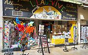 Speelgoed winkel in centrum van Avignon, Frankrijk - Toys store in center of Avignon, France