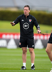 CARDIFF, WALES - Wednesday, September 2, 2020: Wales' head of performance Tony Strudwick during a training session at the Vale Resort ahead of the UEFA Nations League Group Stage League B Group 4 match between Finland and Wales. (Pic by David Rawcliffe/Propaganda)