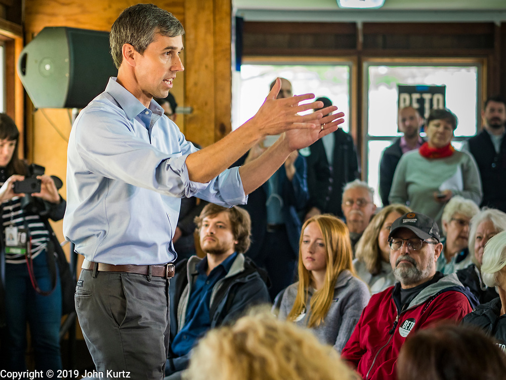 21 MAY 2019 - TIPTON, IOWA: BETO O'ROURKE speaks to the crowd during a campaign appearance in Tipton, IA, Tuesday. O'Rourke, running to be the 2020 Democratic nominee for the US Presidency, has made climate change a central part of his campaign. He held a town hall in Tipton Tuesday. Iowa traditionally hosts the the first election event of the presidential election cycle. The Iowa Caucuses will be on Feb. 3, 2020.                  PHOTO BY JACK KURTZ