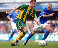 Photo: Daniel Hambury<br /> Ipswich Town V West Bromwich Albion<br /> Nationwide League  Division One. <br /> 4/04/2004.  <br /> <br /> Ipswich Town's Matt Richards and West Brom's Geoff Horsfield