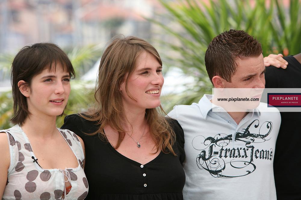 Lola Doillon - Lucie Desclozeaux - Christa Theret - Gaël Tavares - Nicolas Sweri - Festival de Cannes - Photocall Et toi t'es sur qui - 23/05/2007 - JSB / PixPlanete