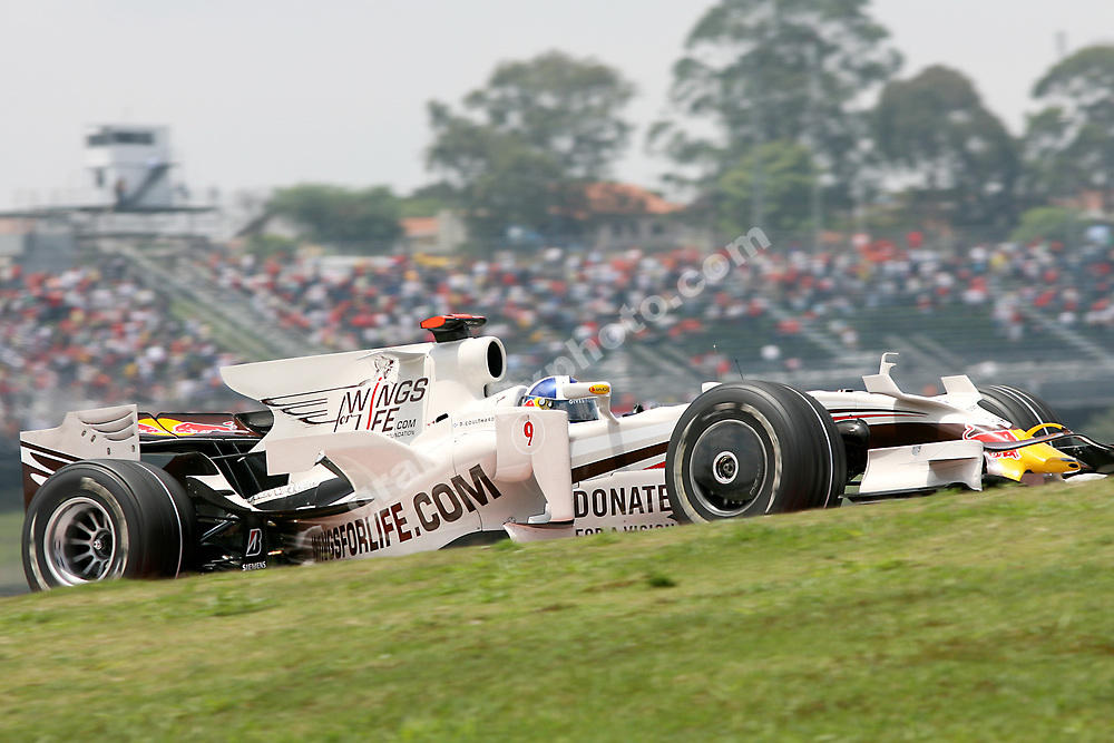 David Coulthard (Red Bull-Renault) with Wings For Life livery  at the 2008 Brazilian Grand Prix at Interlagos in Sao Paulo. Photo: Grand Prix Photo