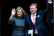 Koning Willem-Alexander en koningin Maxima komen aan bij het Koninklijk Paleis voor de traditionele nieuwjaarsontvangst voor Nederlandse genodigden.  <br /> King Willem-Alexander and Queen Maxima arrive at the Royal Palace for the traditional New Year's reception for Dutch guests.