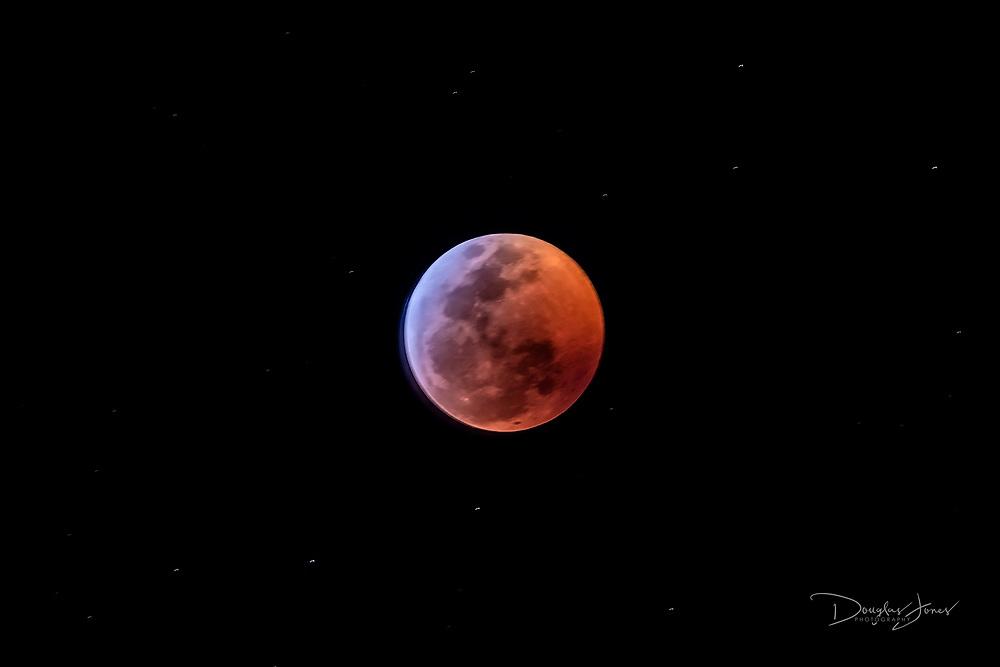 Jan. 20, 2019: Images of the Super Blood Wolf Moon in Fort Lauderdale, FL. (www.douglasjonesphotography.com)