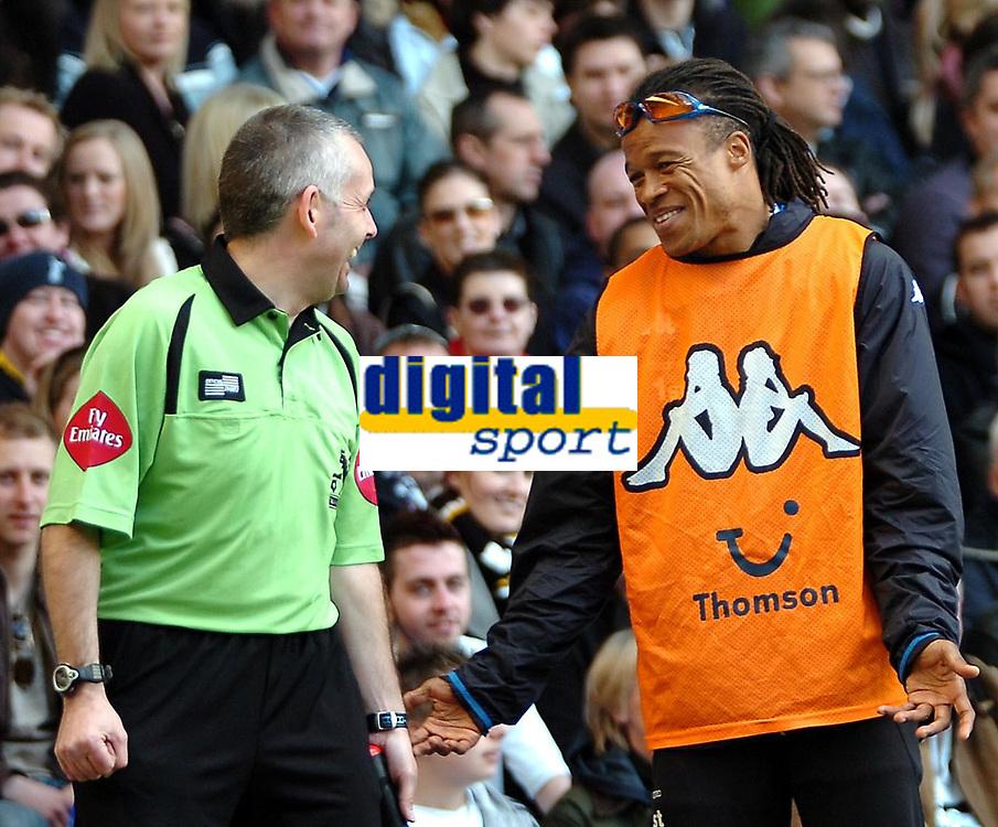Photo: Ed Godden.<br />Tottenham Hotspur v Manchester City. The Barclays Premiership. 08/04/2006. Spurs' Edgar David has a laugh with the linesman.