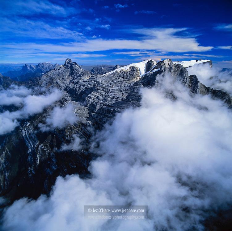 Puncak Jaya & Carstensz peaks 4880m, Papua, Indonesia