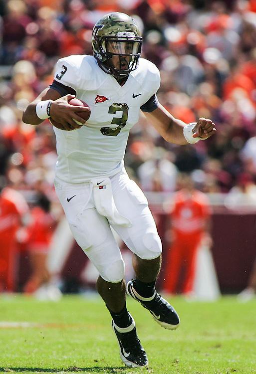 Sept 22, 2012; Blacksburg, VA, USA; Virginia Tech Hokies quarterback Logan Thomas (3) rushes the ball against the Bowling Green Falcons at Lane Stadium. Mandatory Credit: Peter Casey-US PRESSWIRE