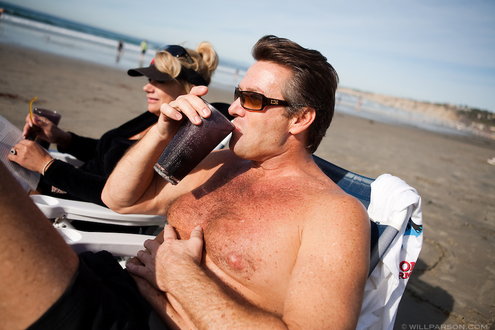 Hal Streckert and Susan Schifter enjoy the warm weather at La Jolla Shores Beach on December 19. San Diego tied a record high temperature of 80 degrees on the same day a freezing storm hit much of the East Coast.