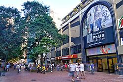 A Rua da Praia, cujo nome oficial é Rua dos Andradas, é uma das ruas mais tradicionais da cidade de Porto Alegre, bem como a mais antiga da cidade. A despeito de a denominação oficial ter sido estabelecida em 1865, o nome antigo ainda persiste na voz popular, e com ele esta rua tem sido celebrada por muitos cronistas e poetas locais. FOTO: Jefferson Bernardes/Preview.com