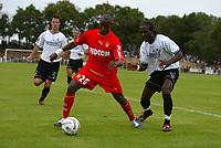 Fotball<br /> Frankrike 2004/05<br /> Treningskamp<br /> Monaco v Niort<br /> 14. juli 2004<br /> Foto: Digitalsport<br /> NORWAY ONLY<br /> SOULEYMANE CAMARA (MON) / JONATHAN JOSEPH-AUGUSTIN (NIO)