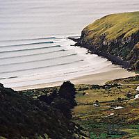 Whareakeake / Murders surf