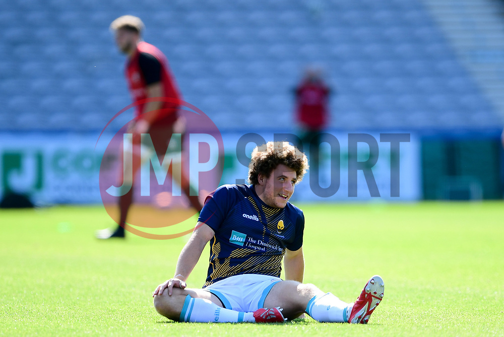 Duncan Weir of Worcester Warriors warms up prior to kick off - Mandatory by-line: Ryan Hiscott/JMP - 13/09/2020 - RUGBY - Twickenham Stoop - London, England - London Irish v Worcester Warriors - Gallagher Premiership Rugby