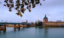 Looking across the Garonne River to the Chapelle Saint-Joseph de la Grave with the Pont Saint-Pierre on the left, Toulouse, France<br /> <br /> (c) Andrew Wilson | Edinburgh Elite media