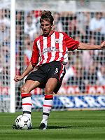 Fotball<br /> Premier League England 2003/2004<br /> 31.08.2003<br /> Southampton v Manchester United<br /> Claus Lundekvam - Southampton<br /> Foto: Tim Parker, Digitalsport