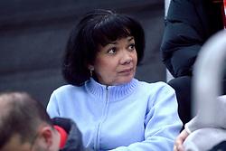 11-02-2006 SCHAATSEN: OLYMPISCHE WINTERSPELEN: 3000 METER DAMES: TORINO<br /> Moeder van Shani Davis<br /> ©2006-WWW.FOTOHOOGENDOORN.NL