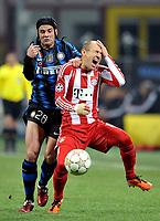 Milano, 23/02/2011<br /> Champions League/Champions League/Inter-Bayern Monaco<br /> Robben va a terra urlando nel contrasto con Chivu