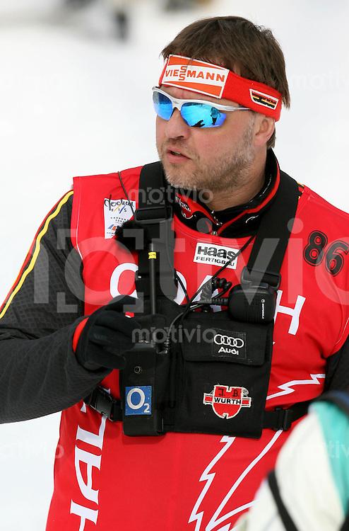 Sapporo , 040307 , Nordische Ski Weltmeisterschaft  Maenner 50km Rennen ,  Bundestrainer Jochen BEHLE (GER)