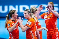 Bo van Wetering of Netherlands, Lois Abbingh of Netherlands during the Women's EHF Euro 2020 match between Netherlands and Germany at Sydbank Arena on december 14, 2020 in Kolding, Denmark (Photo by RHF Agency/Ronald Hoogendoorn)