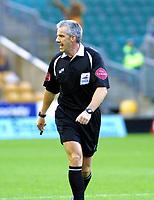 Photo: Dave Linney.<br />Wolverhampton Wanderers v Norwich City. Coca Cola Championship. 05/11/2005. Ref Chris Foy.