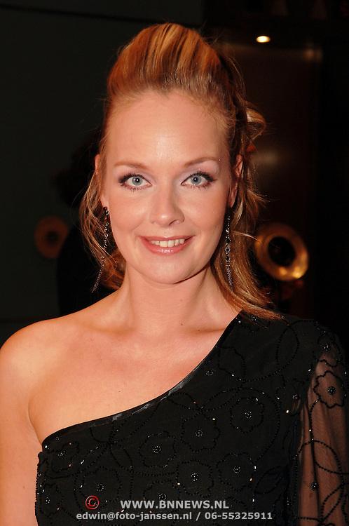 NLD/Amsterdam/20051128 - Uitreiking Beau Monde Awards 2005, Marylene, Marleen van de Broek