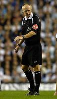 Photo: Daniel Hambury.<br />Tottenham Hotspur v Sheffield United. The Barclays Premiership. 22/08/2006.<br />Referee Phillip Walton.