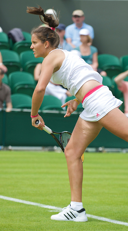 LONDON, ENGLAND - Monday, June 22, 2009: Laura Robson (GBR) serves during her 6-3, 4-6, 2-6 defeat during the 1st Round of the Ladies' Singles on day one of the Wimbledon Lawn Tennis Championships at the All England Lawn Tennis and Croquet Club. (Pic by David Rawcliffe/Propaganda)