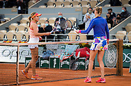 Sofia Kenin of the United States and Petra Kvitova of the Czech Republic at the net after the semi-final of the Roland Garros 2020, Grand Slam tennis tournament, on October 8, 2020 at Roland Garros stadium in Paris, France - Photo Rob Prange / Spain ProSportsImages / DPPI / ProSportsImages / DPPI