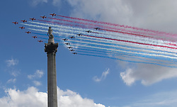 © Licensed to London News Pictures. 18/06/2020. London, UK. The Red Arrows and their French counterparts, La Patrouille de France, fly over Nelson's column in Trafalgar Square, central London to mark 80 years since Charles De Gaulle's historic speech to Occupied France. President Macron's visit marks an important for our closest European ally. Photo credit: Marcin Nowak/LNP