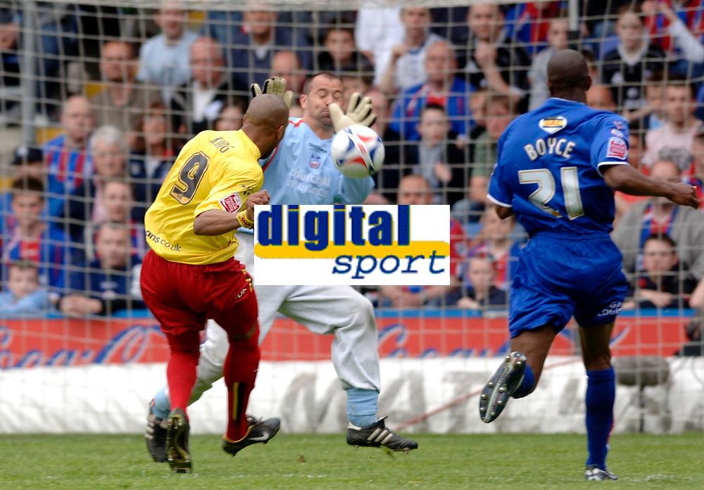 Photo: Daniel Hambury.<br />Crystal Palace v Watford. Coca Cola Championship. Play off Semi-Final, First Leg. 06/05/2006.<br />Watford's Marlon King sees this goal bound effort saved by Palace's Gabor Kiraly.