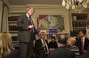Boris Johnson. ( Bruce Anderson below left.) Online Spectator party. Doughty St. 25 January 2001. © Copyright Photograph by Dafydd Jones 66 Stockwell Park Rd. London SW9 0DA Tel 020 7733 0108 www.dafjones.com