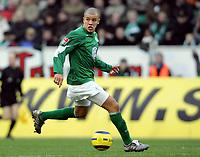 Fotball<br /> Bundesliga Tyskland 2004/2005<br /> Foto: Witters/Digitalsport<br /> NORWAY ONLY<br /> <br /> Andres D'ALESSANDRO<br /> Fussballspieler VfL Wolfsburg