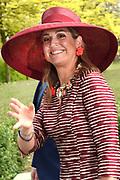 Koningin Maxima bij start Kansen Krijgen Kansen Pakken op het MBO Utrech.  Kansen Krijgen Kansen Pakken bestaat uit een documentaire drieluik (NTR),<br /> educatieve clips en landelijke activiteiten.<br /> <br /> Queen Maxima at start Opportunities Opportunities Suits Get the MBO Utrech. Opportunities Get opportunities Packs consist of a documentary trilogy (NTR)<br /> educational clips and rural activities.<br /> <br /> Op de foto/ On the photo: Aankomst / Arrival